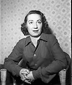 1956 29/06  Maureen Potter, Maureen Potter Irish singer, actor, comedian and performer,