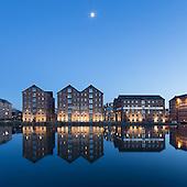 14 Gloucester Docks