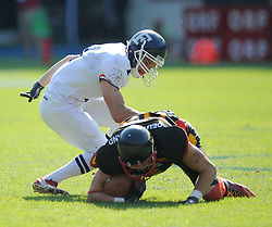 16.07.2011, Ernst Happel Stadion, Wien, AUT, American Football WM 2011, Germany (GER) vs France (FRA), im Bild Aurélien Fourgeaud (France, #7, DB ) vs Niklas Römer (Germany, #84, WR) // during the American Football World Championship 2011 game, Germany vs France, at Ernst Happel Stadion, Wien, 2011-07-16, EXPA Pictures © 2011, PhotoCredit: EXPA/ G. Holoubek