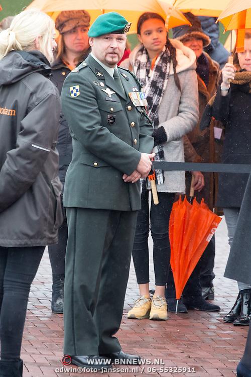 NLD/Den Haag/20170208 - Prinses Beatrix aanwezig bij onthulling beeld naamgever Madurodam, Marco Kroon