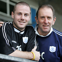 Kieran McAnespie who today signed for St Johnstone for the second time, pictured with Manager John Connolly. He left the club in 2000.<br />