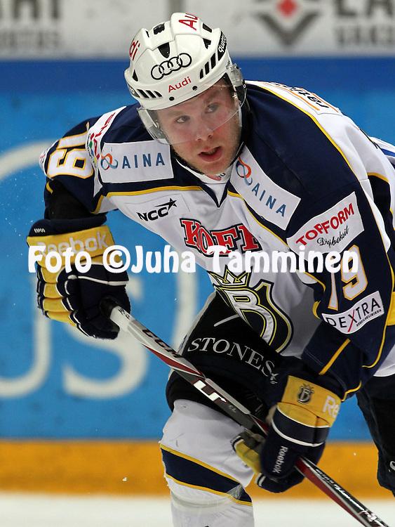 1.11.2011, Hmeenlinna...Jkiekon SM-liiga 2011-12. HPK - Blues..Roope Talaja - Blues