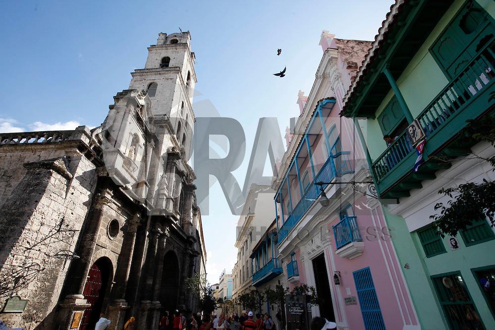 HAVANA, CUBA, 29.11.2016 - HOMENAGENS-FIDEL - Milhares de cubanos saem às ruas para prestar tributo póstumo ao líder da Revolução Cubana, Fidel Castro, em Havana, Cuba, terça-feira, 29 de novembro de 2016. (Foto: Mabel García / ACGEcuador/Brazil Photo Press)