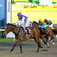 Attraction Ticket and Siobhan Miller winning the 8.55 race