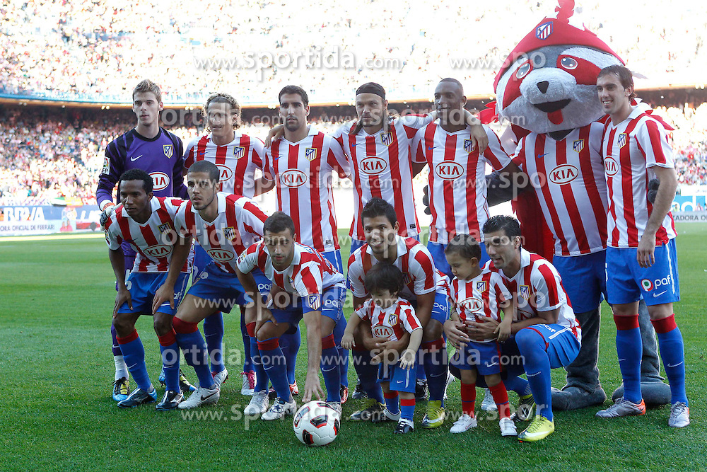 19.09.2010, Vicente Calderon Stadion, Madrid, ESP, Primera Division, Atletico Madrid vs FC Barcelona, im Bild Atletico de Madrid's team photo before La Liga match. EXPA Pictures © 2010, PhotoCredit: EXPA/ Alterphotos/ Cid Fuentes +++++ ATTENTION - OUT OF SPAIN / ESP +++++ / SPORTIDA PHOTO AGENCY