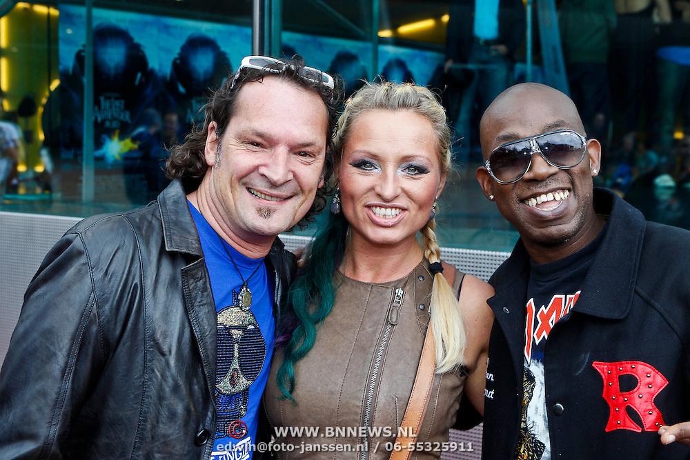 NLD/Amsterdam/20100818 - Premiere The Last Airbender 3D, Desray, Desiree Manders en partner Jeroen Molenaar en D-Rock