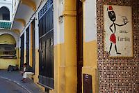 Maroc, Tanger, boutique de cafe dans la ville nouvelle // Morocco, Tangier (Tanger), coffee shop on the new city