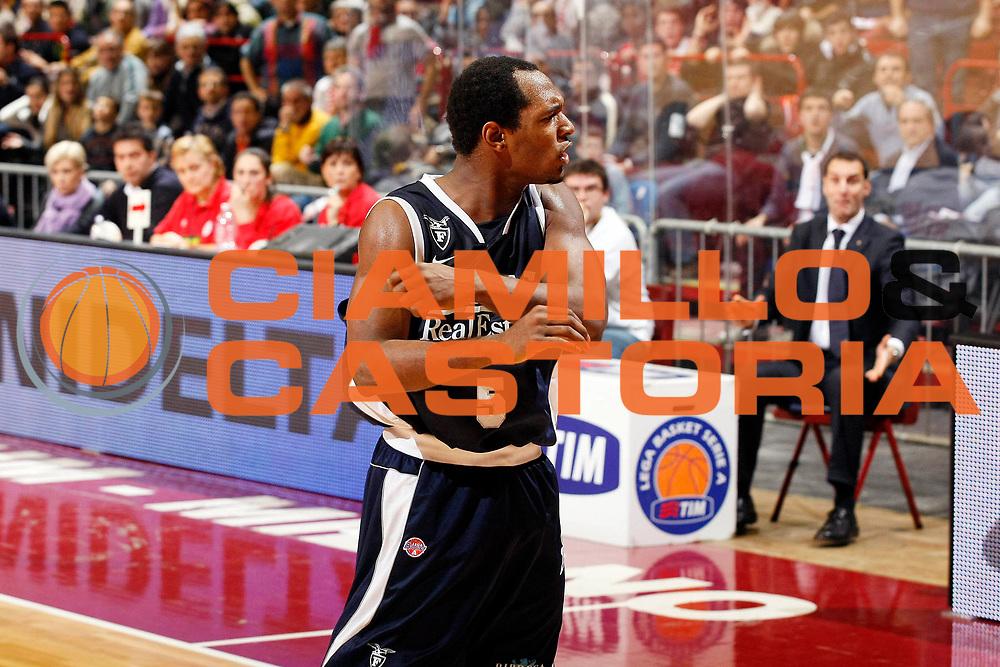 DESCRIZIONE : Milano Lega A1 2008-09 Armani Jeans Milano GMAC Fortitudo Bologna<br /> GIOCATORE : Jamont Gordon<br /> SQUADRA : GMAC Fortitudo Bologna<br /> EVENTO : Campionato Lega A1 2008-2009<br /> GARA : Armani Jeans Milano GMAC Fortitudo Bologna<br /> DATA : 21/12/2008<br /> CATEGORIA : Ritratto Esultanza<br /> SPORT : Pallacanestro<br /> AUTORE : Agenzia Ciamillo-Castoria/G.Cottini