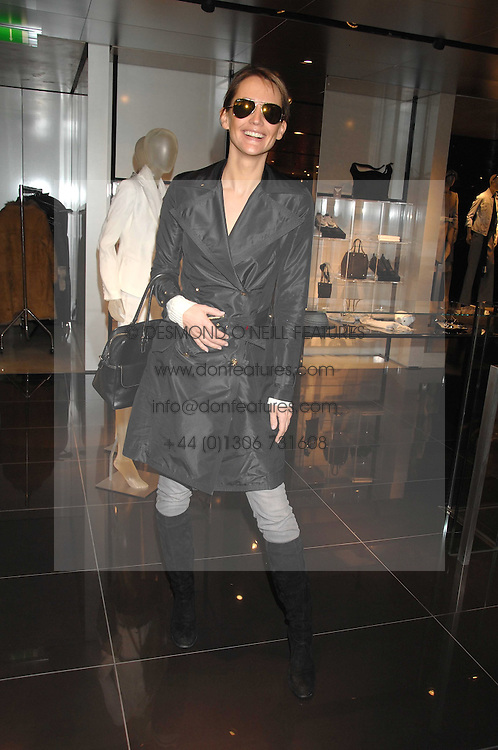 SAFFRON ALDRIDGE at a lunch to celebrate the launch of the Top Tips for Girls website (toptips.com) founded by Kate Reardon held at Armani, Brompton Road, London on 5th March 2007.<br /><br />NON EXCLUSIVE - WORLD RIGHTS
