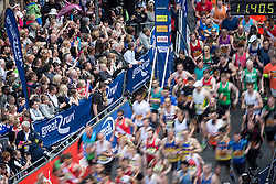 © Licensed to London News Pictures . 22/05/2016 . Manchester , UK . Start of the men's race on Portland Street . The Great Manchester Run in Manchester City Centre . Photo credit : Joel Goodman/LNP