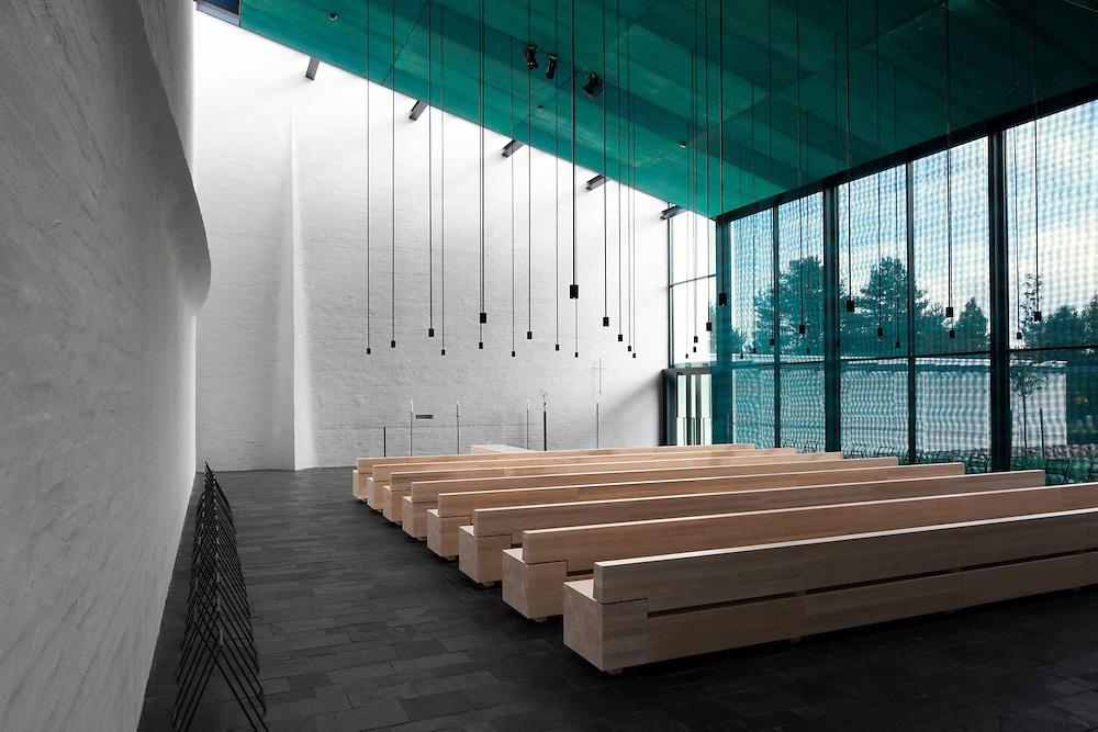 Pyhän Laurin kappeli in Vantaa, Suomi / St Lauri's funeral chapel in Vantaa, Finland. Architectural photography by Tuomas Uusheimo for Avanto architects.