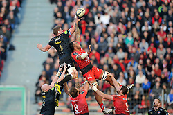 Stuart Hooper of Bath Rugby wins the ball at a lineout - Mandatory byline: Patrick Khachfe/JMP - 07966 386802 - 10/01/2016 - RUGBY UNION - Stade Mayol - Toulon, France - RC Toulon v Bath Rugby - European Rugby Champions Cup.