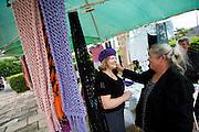 Monte Siao_MG, Brasil...Comercio de artesanato em Monte Siao...Craft trade in Monte Siao...Foto: LEO DRUMOND / NITRO