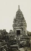 Overblijfselen van hindoetempels op Midden-Java. 1928 - 1932