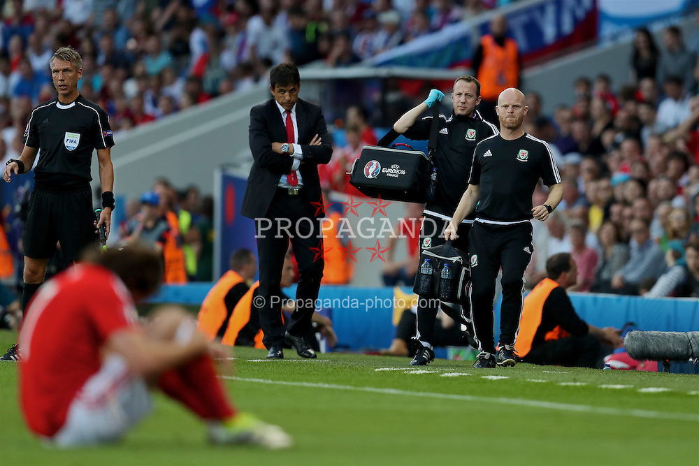 TOULOUSE, FRANCE - Monday, June 20, 2016: Wales' Medical Officer Doctor Jon Houghton and physiotherapist Sean Connelly during the final Group B UEFA Euro 2016 Championship match against Russia at Stadium de Toulouse. (Pic by David Rawcliffe/Propaganda)