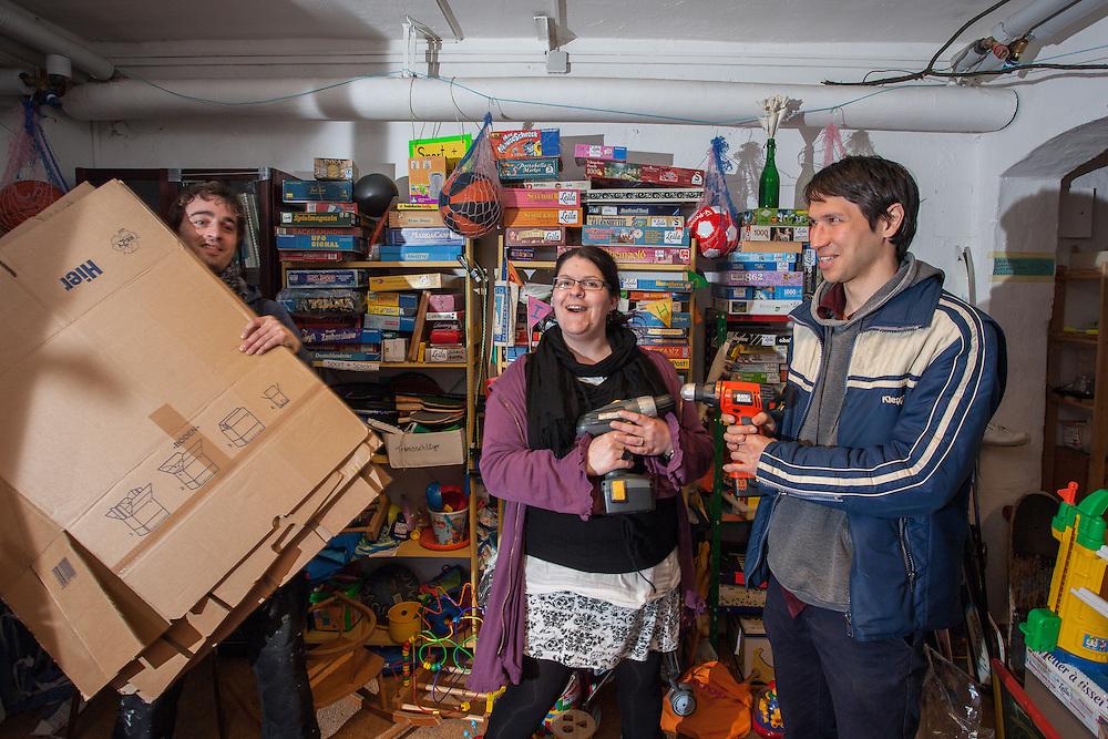Germany - Berlin`s borrowing shops; LEILA; Leihladen; Nikolai Wolfert, 31 and customers, supporters;Berlin, 11.03.2014; © Christian Jungeblodt