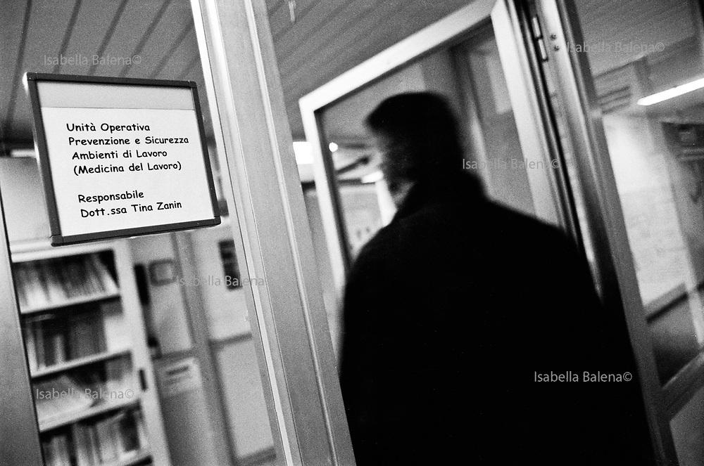 Monfalcone, mar/apr 2005. Morire di amianto. Il calvario di ex operai dei cantieri navali e le loro famiglie. Medicina del lavoro