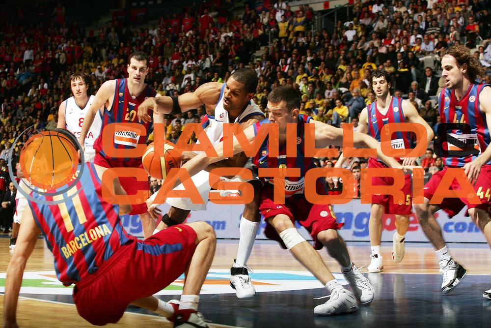 DESCRIZIONE : Praga Eurolega 2005-06 Final Four Semifinale Winterthur Fc Barcellona Cska Mosca <br /> GIOCATORE : Vanterpool Trias <br /> SQUADRA : Winterthur Fc Barcellona <br /> EVENTO : Eurolega 2005-2006 Final Four Semifnale <br /> GARA : Winterthur Fc Barcellona Cska Mosca <br /> DATA : 28/04/2006 <br /> CATEGORIA : Contesa <br /> SPORT : Pallacanestro <br /> AUTORE : Agenzia Ciamillo-Castoria/P.Lazzeroni