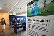 Den Haag. Fototentoonstelling van fotograaf Gerrit de Heus in de Centrale Bibliotheek van Den Haag Foto: Gerrit de Heus                        The Netherlands. The Hague. Photo exhibition of photographer Gerrit de Heus in the public library of The Hague