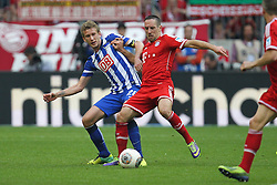 26.10.2013, Allianz Arena, Muenchen, GER, 1. FBL, FC Bayern Muenchen vs Hertha BSC Berlin, 10. Runde, im Bild l-r: im Zweikampf, Aktion, mit Fabian LUSTENBERGER #28 (Hertha BSC), Franck RIBERY #7 (FC Bayern Muenchen) // during the German Bundesliga 10th round match between FC Bayern Munich and Hertha BSC Berlin at the Allianz Arena in Muenchen, Germany on 2013/10/26. EXPA Pictures © 2013, PhotoCredit: EXPA/ Eibner-Pressefoto/ Kolbert<br /> <br /> *****ATTENTION - OUT of GER*****
