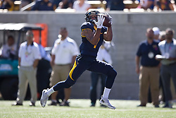 BERKELEY, CA - OCTOBER 03:  Wide receiver Bryce Treggs #1 of the California Golden Bears catches a pass for a touchdown against the Washington State Cougars during the first quarter at California Memorial Stadium on October 3, 2015 in Berkeley, California. (Photo by Jason O. Watson/Getty Images) *** Local Caption *** Bryce Treggs