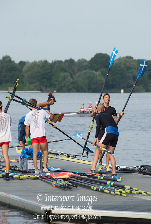 Hamburg. GERMANY. General View, GV's, Crews boating from the landing stages at the FISA Junior World Championships.  08:55:17  Tuesday  05/08/2014  [Mandatory Credit; Peter Spurrier/Intersport-images]