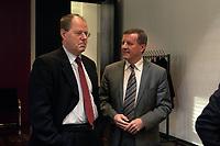 10 DEC 2003, BERLIN/GERMANY:<br /> Peer Steinbrueck (L), SPD, Ministerpraesident Nordrhein-Westfalen, und Wilhelm Schmidt (R), SPD, 1. Parl. Geschaeftsfuehrer, im Gespraech, Sitzung des Vermittlungsausschusses, Bundesrat<br /> IMAGE: 20031210-01-018<br /> KEYWORDS: Gespräch, Peer Steinbrück