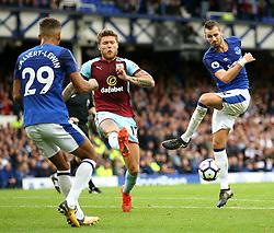 Morgan Schneiderlin of Everton miss kicks - Mandatory by-line: Matt McNulty/JMP - 01/10/2017 - FOOTBALL - Goodison Park - Liverpool, England - Everton v Burnley - Premier League