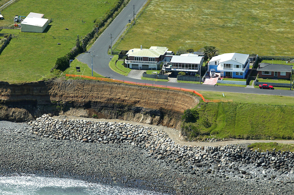 Repair work carried at Bell Block near New Plymouth, New Zealand, December 08, 2004, where the sea has caused coastal erosion. Credit:SNPA / Rob Tucker