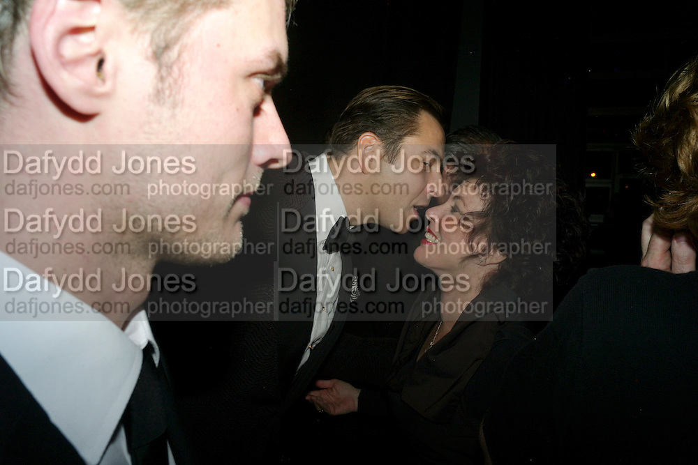 DAVID WALLIAMS; RUBY WAX, Grey Goose Winter Ball to Benefit the Elton John AIDS Foundation. Battersea park. London. 29 October 2011. <br /> <br />  , -DO NOT ARCHIVE-© Copyright Photograph by Dafydd Jones. 248 Clapham Rd. London SW9 0PZ. Tel 0207 820 0771. www.dafjones.com.