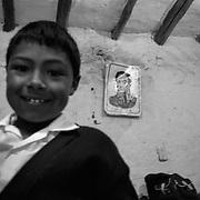 Dibujo del Libertador Simon Bolivar, realizado por los estudiantes de un colegio en San Rafael de Mucuchies, Estado Merida- Venezuela.Photography by Aaron Sosa.Venezuela 2010.(Copyright © Aaron Sosa)