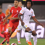 EAST RUTHERFORD, NEW JERSEY - JUNE 17: Carlos Sanchez #6 of Colombia in action during the Colombia Vs Peru Quarterfinal match of the Copa America Centenario USA 2016 Tournament at MetLife Stadium on June 17, 2016 in East Rutherford, New Jersey. (Photo by Tim Clayton/Corbis via Getty Images)