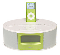 green nano ipod speakers by homedics