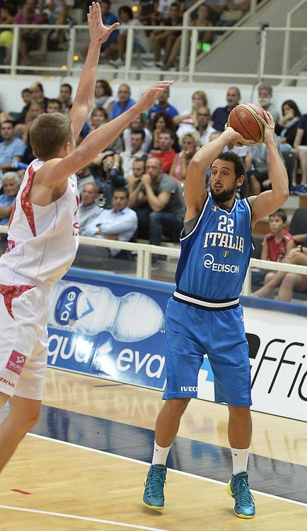 DESCRIZIONE : Trentino Basket Cup Italia-Polonia<br /> GIOCATORE : Marco Stefano Belinelli<br /> CATEGORIA : passaggio<br /> SQUADRA : Nazionale Italiana<br /> EVENTO : Trentino Basket Cup<br /> GARA : Italia-Polonia<br /> DATA : 09/08/2013<br /> SPORT : Pallacanestro <br /> AUTORE : Agenzia Ciamillo-Castoria/R. Morgano<br /> Galleria : FIP nazionali 2013  <br /> Fotonotizia : Trentino basket cup Italia-Polonia<br /> Predefinita :