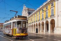 Portugal, Lisbonne, quartier de Baixa pombalin, tramway at Praca do Comercio ou Place du Commerce // Portugal, Lisbon, tram at Praca do Comercio, or Commerce Square