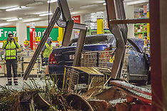 Auckland-Car crashes into Mt Albert Pak n Save