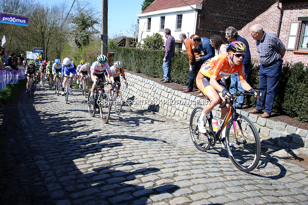 03-04-2016: Wielrennen: Ronde van Vlaanderen vrouwen: Oudenaarde  <br /> OUDENAARDE (BEL) cycling  The sixth race in the UCI Womensworldtour is the ronde van Vlaanderen. A race over the famous Flemish climbs. Molenberg Ellen van Dijk