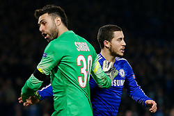 Salvatore Sirigu of Paris Saint-Germain and Eden Hazard of Chelsea - Photo mandatory by-line: Rogan Thomson/JMP - 07966 386802 - 11/03/2015 - SPORT - FOOTBALL - London, England - Stamford Bridge - Chelsea v Paris Saint-Germain - UEFA Champions League Round of 16 Second Leg.