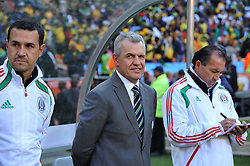 JOHANNESBURG, SOUTH AFRICA - Friday, June 11, 2010: Mexico's Head Coach Javier Aguirre during the opening Group A match against South Africa during the 2010 FIFA World Cup South Africa at the Soccer City Stadium. (Pic by Hoch Zwei/Propaganda)