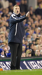 Liverpool, England - Wednesday, December 5, 2007: Everton's manager David Moyes during the UEFA Cup Group A match against Zenit St. Petersburg at Goodison Park. (Photo by David Rawcliffe/Propaganda)
