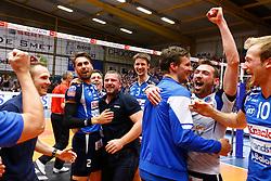20150501 BEL: Volley Behappy2 Asse-Lennik - Knack Roeselare, Zellik<br />Knack Volley Roeselare is Kampioen van Belgie 2014 - 2015<br />©2014-FotoHoogendoorn.nl / Pim Waslander