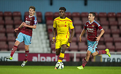 UPTON PARK, ENGLAND - Friday, September 12, 2014: Liverpool's Shay Ojo in action against West Ham United during the Under 21 FA Premier League match at Upton Park. (Pic by David Rawcliffe/Propaganda)