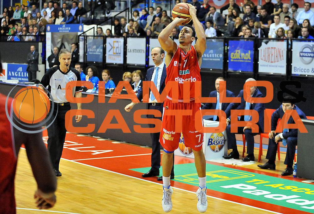 DESCRIZIONE : Biella Lega A 2012-13 Angelico Biella Cimberio Varese<br /> GIOCATORE : Erik Rush<br /> SQUADRA : Cimberio Varese<br /> EVENTO : Campionato Lega A 2012-2013 <br /> GARA : Angelico Biella Cimberio Varese <br /> DATA : 11/11/2012<br /> CATEGORIA : Tiro<br /> SPORT : Pallacanestro <br /> AUTORE : Agenzia Ciamillo-Castoria/ L.Goria<br /> Galleria : Lega Basket A 2012-2013 <br /> Fotonotizia : Biella Lega A 2012-13  Angelico Biella Cimberio Varese <br /> Predefinita