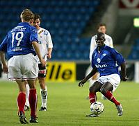 Fotball<br /> Tippeliga 24.04.2003<br /> Vålerenga v Odd<br /> Pa-Modou Kah - VIF<br /> Foto: Morten Olsen, Digitalsport