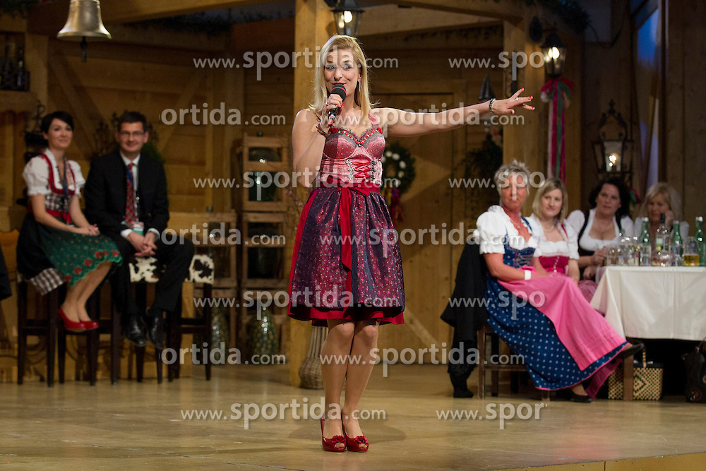 27.03.2015, Messehalle, Oberwart, AUT, Musikantenstadl in Oberwart - Generalprobe, im Bild die Österreichische Sängerin Stephanie Hertl während der Generalprobe des 'Musikantenstadl' // Austrian singer Stephanie Hertl during the dress rehearsel of the show 'Musikantenstadl' at the Fair Hall, Oberwart, Austria on 2015/03/27, EXPA Pictures © 2015, PhotoCredit: EXPA/ Erwin Scheriau