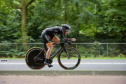 Annette Edmondson speeds by in the time trial at the Boels Rental Ladies Tour 2015 - Stage 4