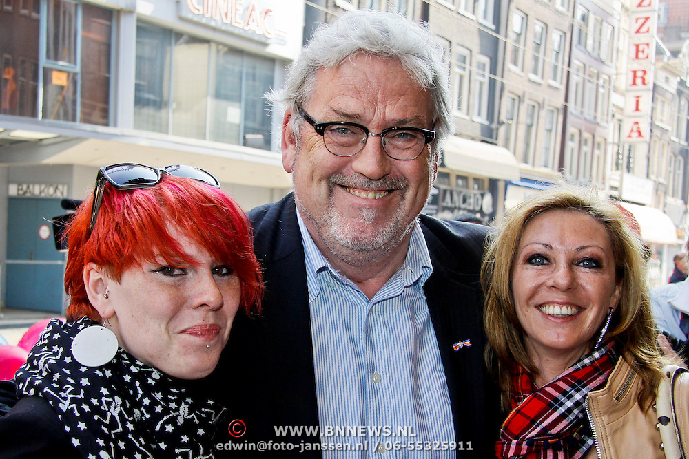 NLD/Amsterdam/20100418 - Premiere film Wickie de Viking, Ernst Daniel Smid en partner Rosamarie Giesen van der Sluis en dochter