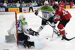 06.05.2017, AccorHotels Arena, Paris, FRA, IIHF WM 2017, Schweiz vs Slowenien, Gruppe B, im Bild Pius Suter (R, SUI) gegen Torhueter Matija Pintaric (SLO) und Andrej Tavelj (SLO) // during the group B match of 2017 IIHF World Championship between Switzerland and Slovenia at the AccorHotels Arena in Paris, France on 2017/05/06. EXPA Pictures © 2017, PhotoCredit: EXPA/ Freshfocus/ Urs Lindt<br /> <br /> *****ATTENTION - for AUT, SLO, CRO, SRB, BIH, MAZ, ITA only*****