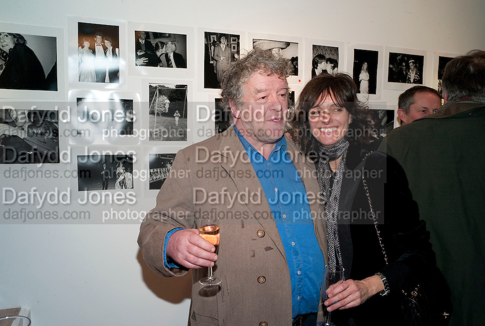 JULIAN BANNERMAN; CAMILLA NICKERSON, The Way We Wore.- Photographs of parties in the 70's by Nick Ashley. Sladmore Contemporary. Bruton Place. London. 13 January 2010. *** Local Caption *** -DO NOT ARCHIVE-© Copyright Photograph by Dafydd Jones. 248 Clapham Rd. London SW9 0PZ. Tel 0207 820 0771. www.dafjones.com.<br /> JULIAN BANNERMAN; CAMILLA NICKERSON, The Way We Wore.- Photographs of parties in the 70's by Nick Ashley. Sladmore Contemporary. Bruton Place. London. 13 January 2010.