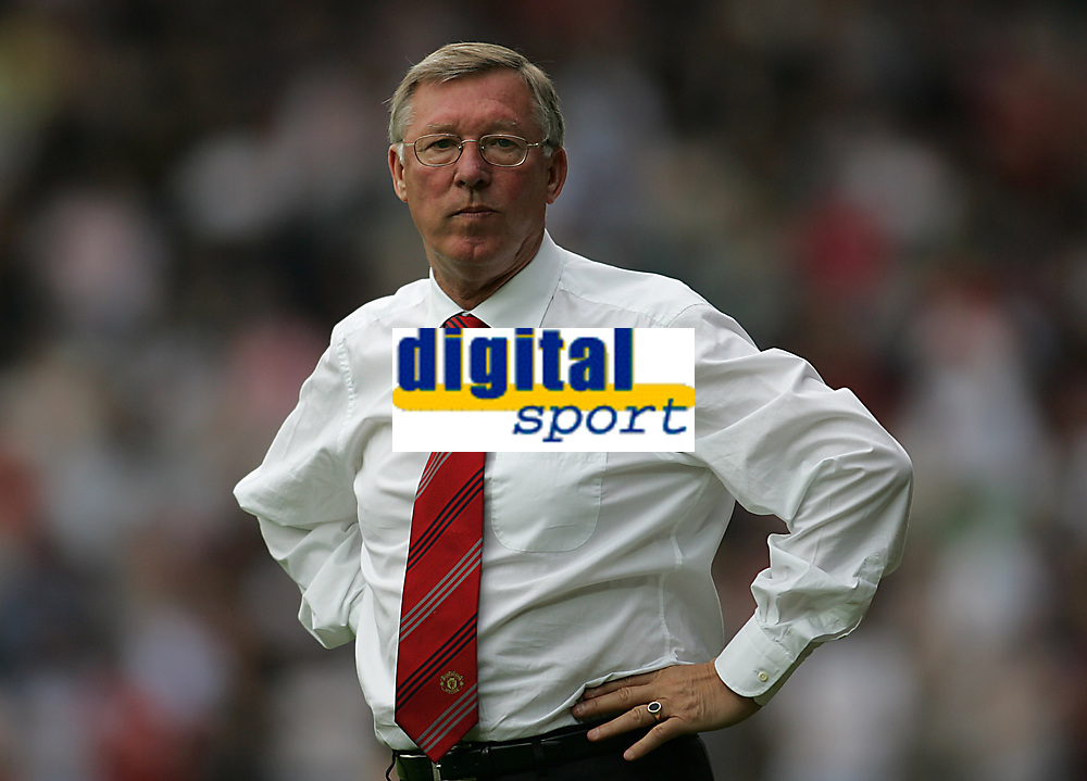 Photo: Lee Earle.<br /> Watford v Manchester United. The Barclays Premiership. 26/08/2006. United manager Sir Alex ferguson.